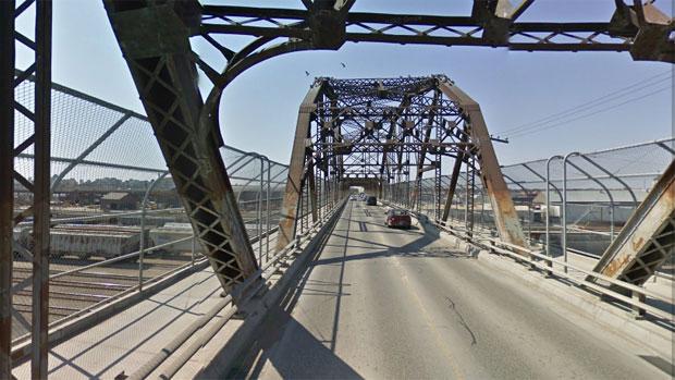 li-arlington-bridge